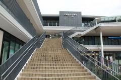 階段で4Fに登った先に当院があります。
